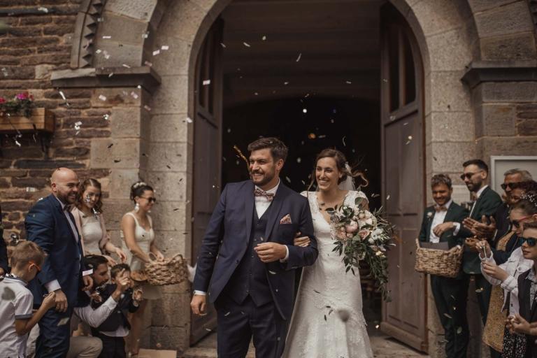PHOTOGRAPHE MARIAGE RENNES - ophelia et Jean-francois sortie de l'eglise
