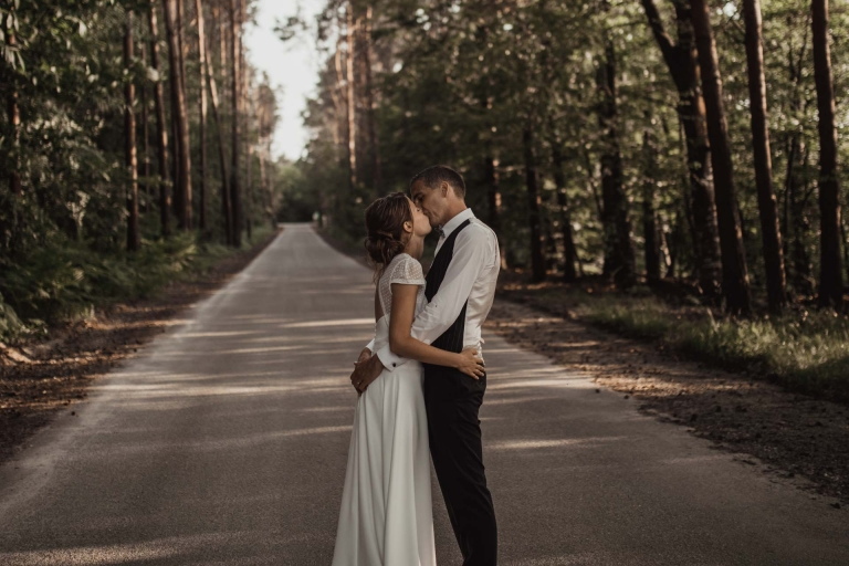 PHOTOGRAPHE MARIAGE RENNES - UN DOUX BAISER POUR BLANDINE ET ROMAIN